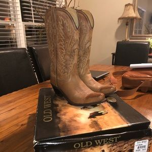 BRAND NEW NEVER WORN: Old West Cowboy Boots size 9